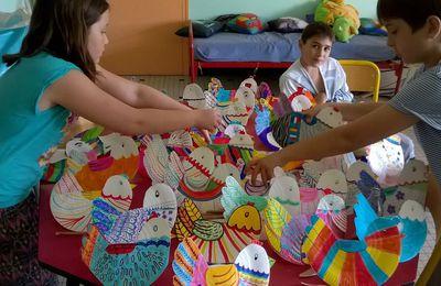 Les poulettes des grands de St Sylvestre pour vous souhaiter de joyeuses fêtes de Pâques !