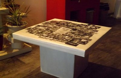 "Petite table ""Album photo"" en carton"