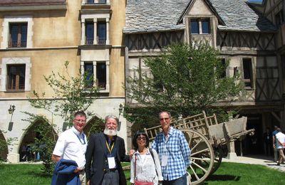 Le Puy du Fou offre 50.000 euros à l'oeuvre du Père Pedro