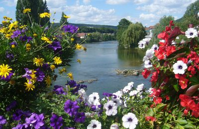communauté flower power : le Doubs à Pont de Roide (25)