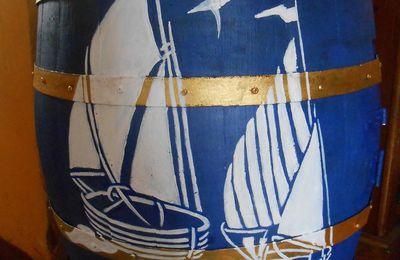 Bleu marine et blanc