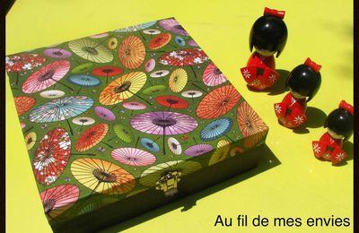 Boîte en bois décorée