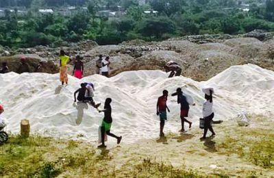 Quelle est l'entreprise,  parmi toutes celles qui ont financé l'inculpé fait-président, qui a déversé le riz pollué à Tabarre ? L'enquête se poursuit ...