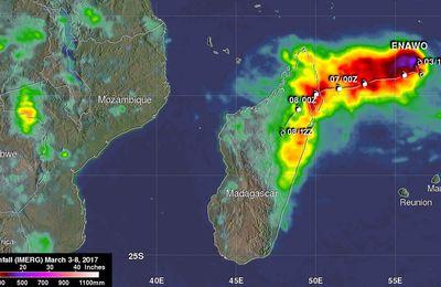 """""""Super Zyklon"""" Enawo, nach der Dürre kam die Flut"""