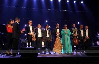 Françoise Atlan avec le Takht El Med lors de la deuxiéme édition de La Rencontre Internationale Des Musiques Du Monde à Sfax en Tunisie