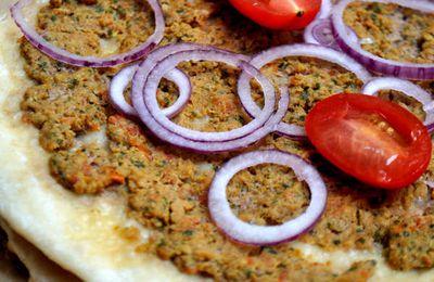 Lahmacun La pizza Turque