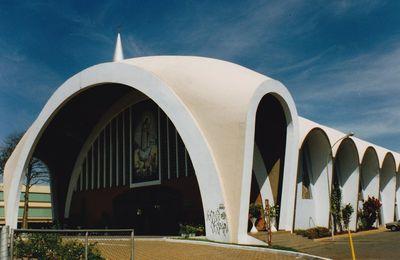 une autre église de Brasilia, N D de Fatima