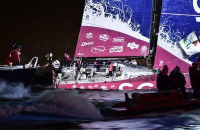 Volvo Ocean Race - les filles de Team SCA premières à Lorient (56)