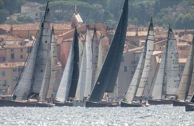 120 yachts classiques rentrent en lice aux Voiles de Saint-Tropez