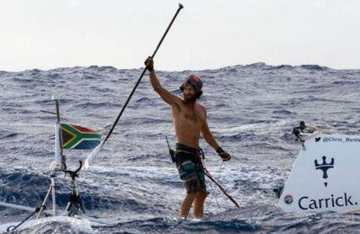 Incroyable - Chris Bertish boucle la toute première traversée de l'Atlantique en stand-up paddle !