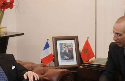 #Maroc / Hammouchi, poursuivi pour torture à Paris et décoré par...Cazeneuve !