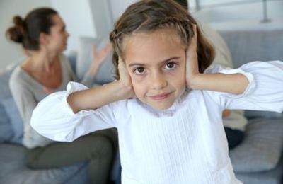 Trop de bruit nuit à l'apprentissage du langage chez l'enfant