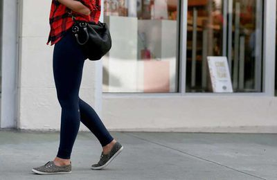 Peut-on porter un pantalon leggings en public quand on n'a plus 20 ans?