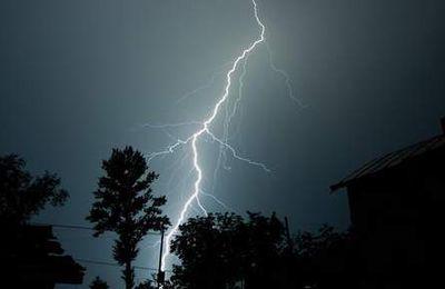 Un orage coupe la respiration de 2.000 Australiens et fait trois morts