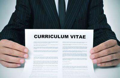 Les 7 règles du CV des jeunes diplômés