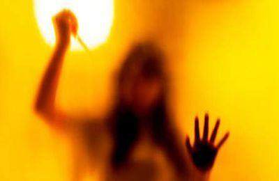 Une jeune femme victime d'un v... collectif en direct sur Facebook