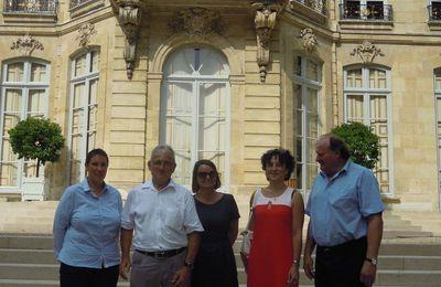 Michel Fournier et ses collaborateurs sont reçus à l'hôtel Matignon