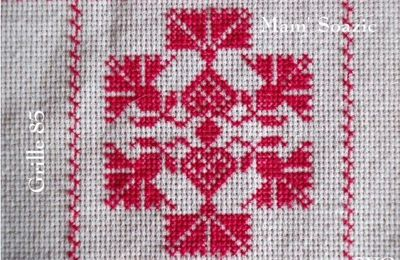 SAL : Plaid Broderie Rouge... Grille  85 / E11