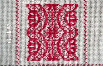 SAL : Plaid Broderie Rouge... Grille  87 / G11
