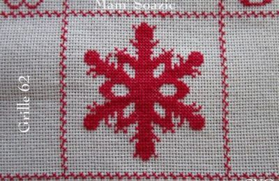 SAL : Plaid Broderie Rouge... Grille 62 / K13