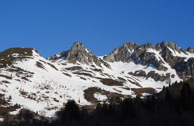 Roc Rouge (2375m) - Col de Montjoie (2253m) - Crête Maxet (2121m)