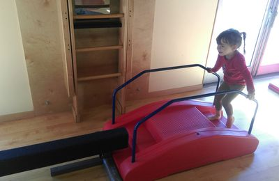 Activité pour bébé: la gymnastique avec My Gym
