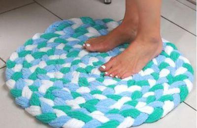 tapis de bain en récup serviettes (tutoriel gratuit - DIY)