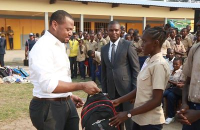 MTN Congo plus sociale à travers l'initiative 1 élèves = 1 kits scolaire au CEG Mbama