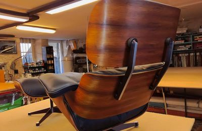Eames Mobilier International n° 115