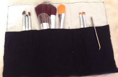 >> DIY: Trousse à maquillage compartimentée