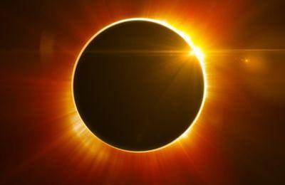 Eclipse Solar en Piscis,muerte y transformación.