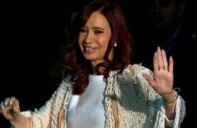 Fiscal argentino imputa a expresidenta y a su hijo por enriquecimiento ilícito