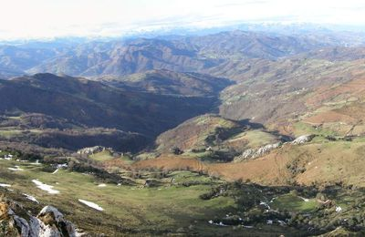 Cresta desde Peña Mayor a Triguero, Cordillera Cantábrica (Asturias, España)