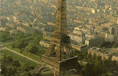 Paris en carte postale - la tour Eiffel