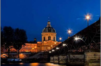 Paris - Pont des arts - France