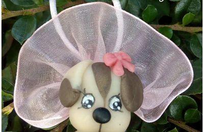 "Pendentif chien en tutu en porcelaine froide ""brasil biscuit"""
