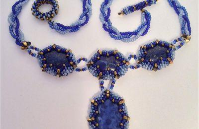 Mon collier de perles , Swarovski et de belles Lapis-lazuli