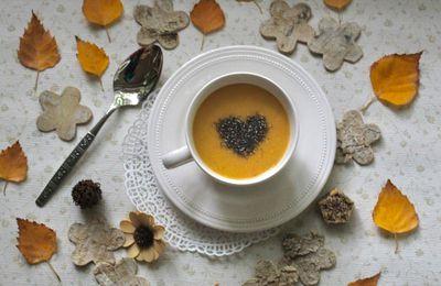 Soupe de lentilles corail, coriandre et graines de chia (concours Anne Delona)