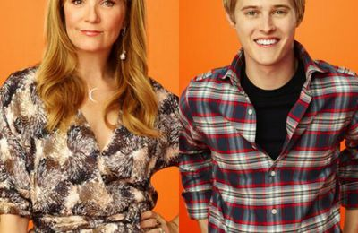 Lea Thompson & Lucas Grabeel chantent dans SWITCHED