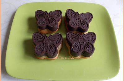 Cakes papillon aux fruits rouges