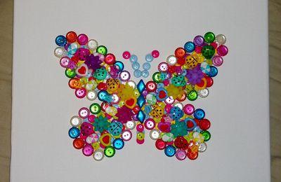 Tableau papillon en boutons