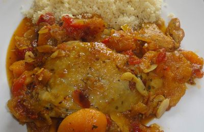 TAJINE DE PINTADE AUX ABRICOTS SECS