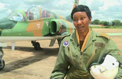 Zambie : Thokosile Muwamba, première femme pilote de chasse