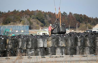 "Dahr Jamail: Fukushima is ""an ongoing disaster"""