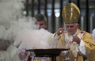 Barcellona, Benedetto XVI e la Sagrada Familia