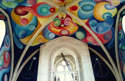 Le Menoux et sa curieuse église