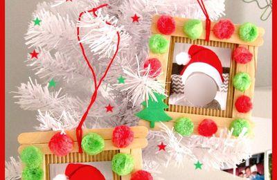 .. Cadre photo  Noel bâton de glace déco playmais ..