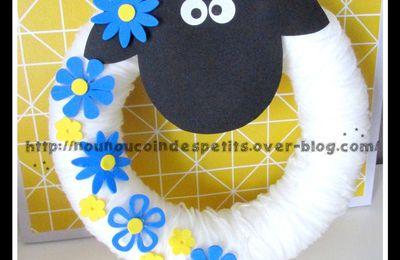 .. Couronne Mouton et petit mouton a suspendre ..