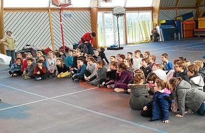 Le télégramme - Usep. 75 écoliers réunis autour du basket