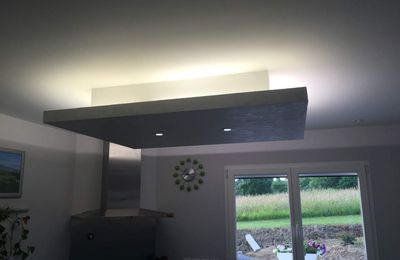 Plafond d co led sur agrandissement terrasse 3 3 sarl for Plafond suspendu cuisine